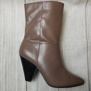 Christian Siriano Ankle 3.5 Heel Boots size 8